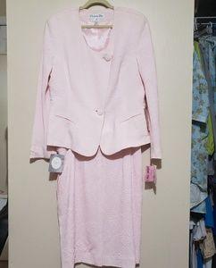 NWT Womens Pink Christian Dior Skirt Suit Size 16